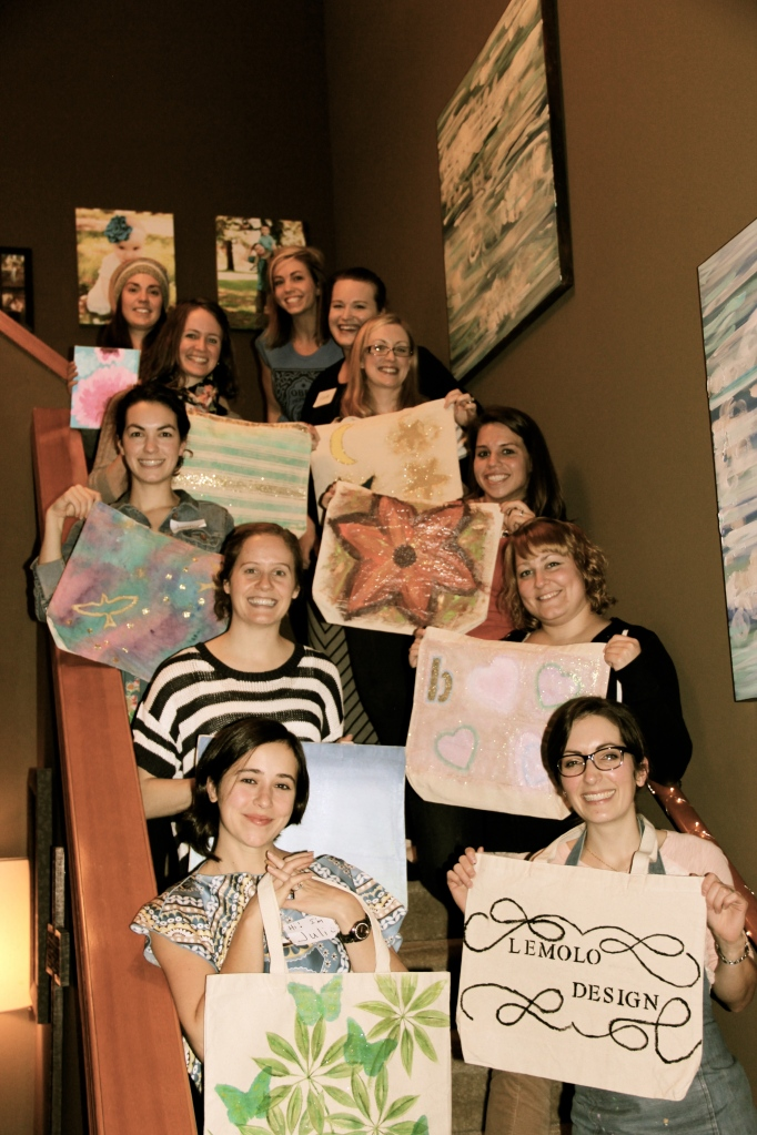 All of us at the end with our tote bags and projects in hand.